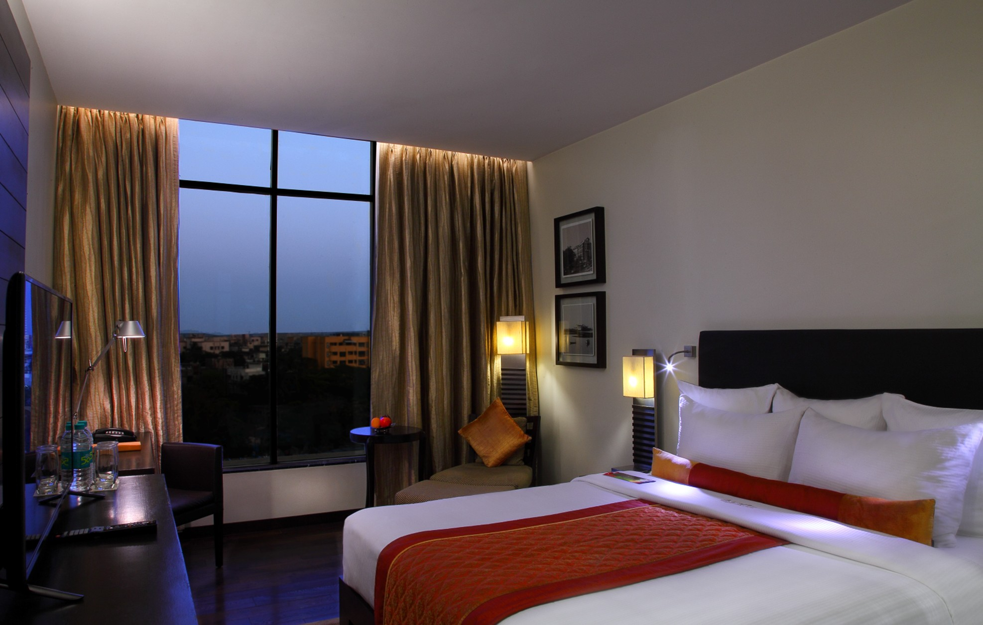 Advance Purchase Offer - The Mirador Hotel